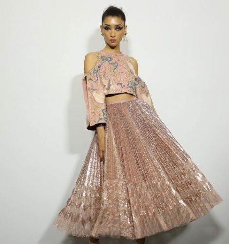Presenting the GEORGES HOBEIKA Haute Couture Autumn Winter