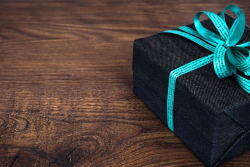 Digitalisation of gift-giving: Top 5 online gift boxes