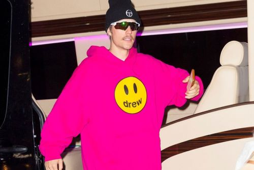 """Justin Bieber Rapping to Jack Harlow's """"WHAT'S POPPIN"""" Sparks New Remix Rumors"""