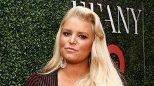 Jessica Simpson's '10 Year Challenge' Photo Pokes Fun At Her Swollen Ankles