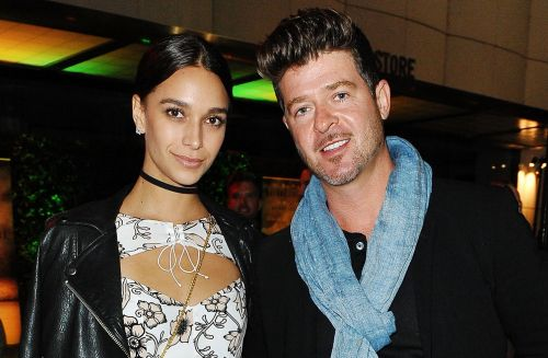 Robin Thicke's Pregnant Girlfriend Recreates The Nude Scene From 'American Beauty'