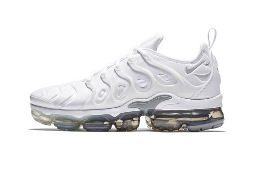 "Nike Releases the Air VaporMax Plus in ""Wolf Grey/Pure Platinum"""