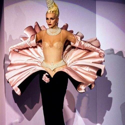 Five reasons why Thierry Mugler's AW95 Couture show was so iconic