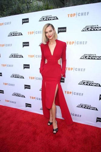 Karlie Kloss Stuns in a Fiery Red Dress-and It Even Has Freakin' Pockets
