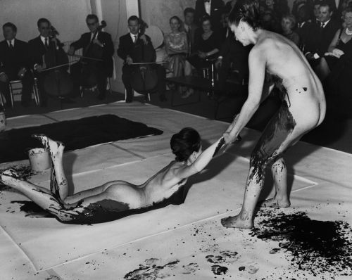 The Yves Klein Series That Saw Naked Women Become the Paintbrush