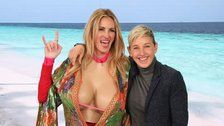So Plastic! Julia Roberts Shows Her Boobs To Gain Instagram Followers