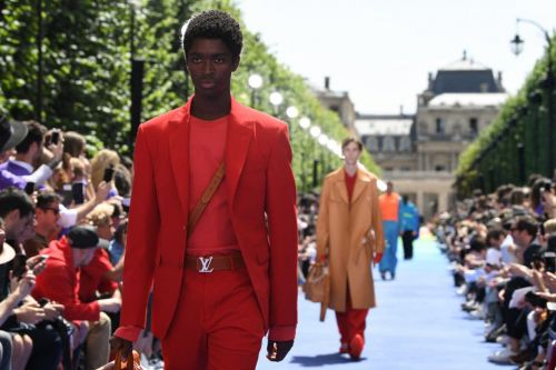 Watch Virgil Abloh's Louis Vuitton Men's Runway Show Live