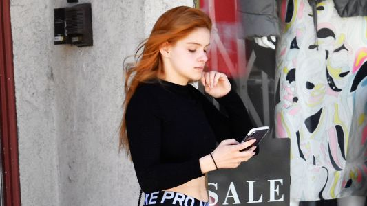 Ariel Winter Shows Off Her Toned Tummy in All-Black Workout Gear in L.A