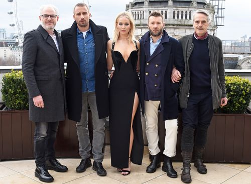 Newsflash: JLaw Is a Grown Woman Who Can Decide Not to Wear a Coat