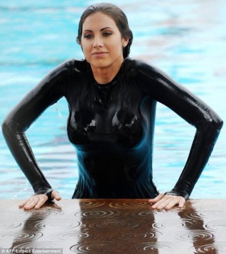 Wetswimsuitsextoy:This guest jumped in club pool and not change