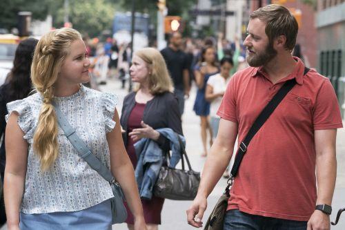 Amy Schumer's leading man embraces his dad bod
