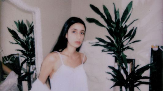 Loyal Lobos talks us through her heartbreak EP, The Fall