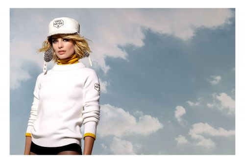 Margot Robbie Is The Face Of New Chanel Line, Coco Neige