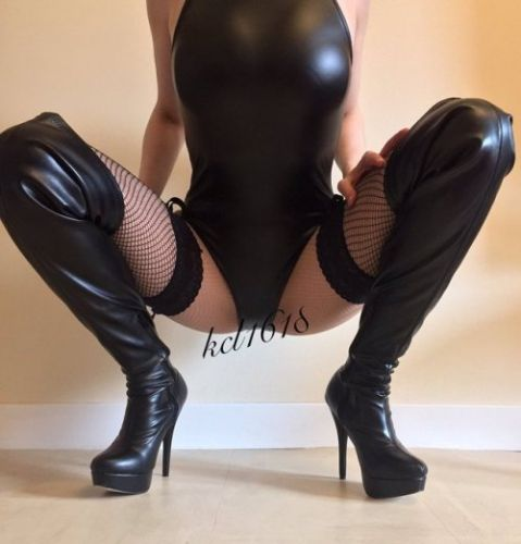 Bimboboots:My dream is to become the most amazing pierced