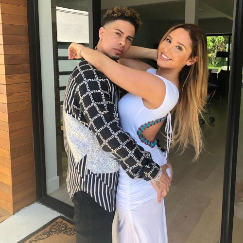 ACE Family's Catherine Paiz Shows Off 'Shrinking' Belly '20 Days Postpartum': 'Women Are Incredible'