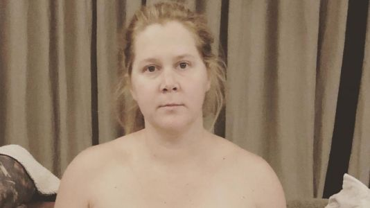 Mom Life! Amy Schumer Pumps Breastmilk in a Tube Top: 'What Are We Doing Tonight?'