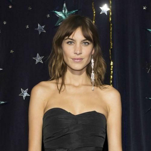 "Here's Why Everyone Is Getting ""Curtain Bangs"""