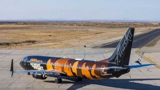 "Alaska Airlines Unveils ""Commitment"" Aircraft In Support Of United Negro College Fund"