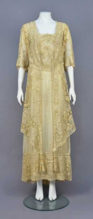 Fashionsfromhistory: Summer Day Dress c.1910 Whitaker Auctions