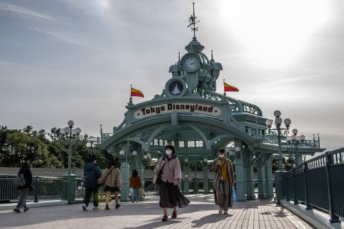 Tokyo Disneyland closing for two weeks due to Coronavirus fears