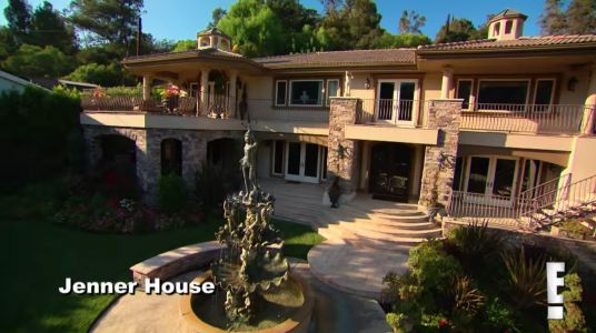 The Kardashians' OG Fake Home From 'KUWTK' Just Sold For A $ *! Ton Of Money