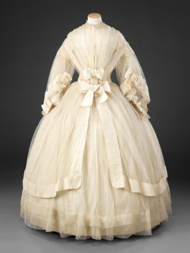 Fashionsfromhistory: Wedding Dress c.1858-1860 John Bright