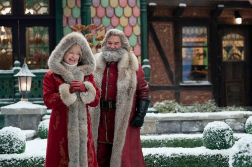 'Christmas Chronicles 2' review: Kurt Russell's Santa sequel is a jumble
