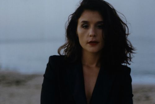 """Jessie Ware Will Get You Out Your Seat With """"Adore You"""""""