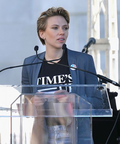 """I Want My Pin Back"": Scarlett Johansson Slams James Franco at the Women's March"