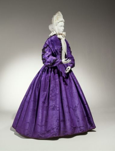Dress1863-1865Cincinnati Art Museum