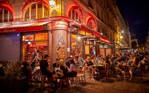 Strict Curfews Remind Parisian Citizens of The Ever-Looming Threat of Covid-19