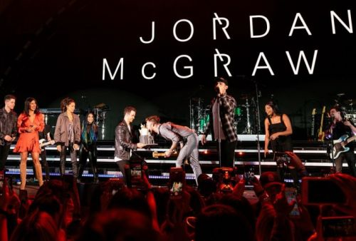 Jonas Brothers Surprise Dr. Phil's Son Jordan McGraw With Birthday Cake at Hollywood Concert