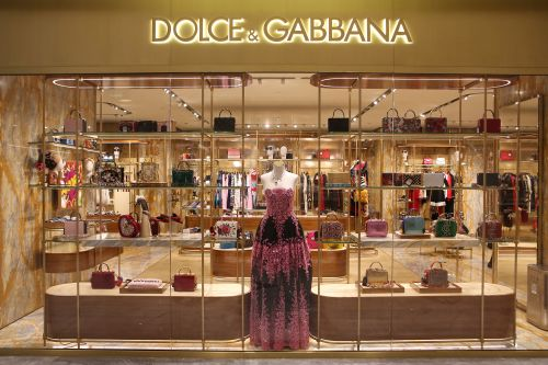 Chinese model claims Dolce & Gabbana almost ruined career