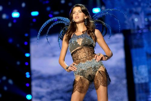 Victoria's Secret Fashion Show even makes models feel insecure