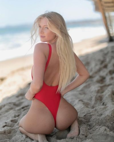 Boutinela:Sunny boutinela day 🌹 babe wearing the rose red rio