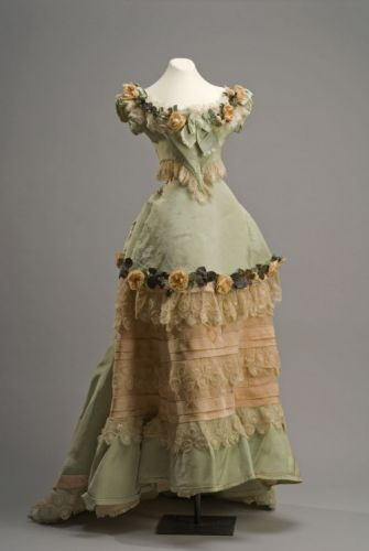 Evening DressLate 19th Century Museo de Historia
