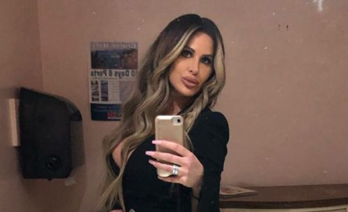 Kim Zolciak Claps Back at Trolls After She Posts a Nude Picture on Instagram: 'Girl, Cut the S-t'