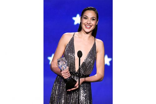 Gal Gadot's Badass Critics' Choice Speech Is the Only Thing You Need Today