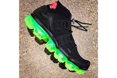 Nike Applies a Bright Neon Sole to the Air VaporMax Utility Model