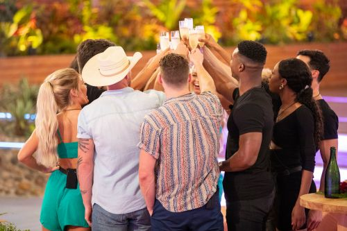 'Love Island' recap: Most outrageous, sexy moments from episode 1