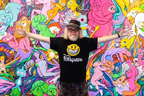 """Immerse Yourself in Ron English's Chaotic """"Delusionville"""" Exhibition"""