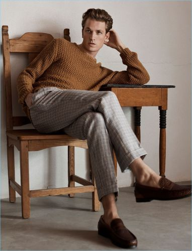 Hugo Sauzay Embraces Chic Styles for Massimo Dutti Spring '18 Campaign