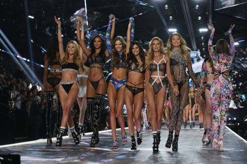 Victoria's Secret Chief Executive Resigns