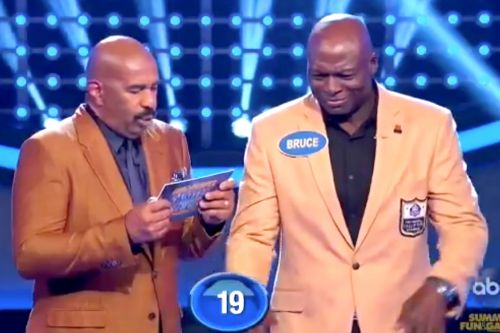 Bruce Smith blames 'Family Feud' for penis blunder