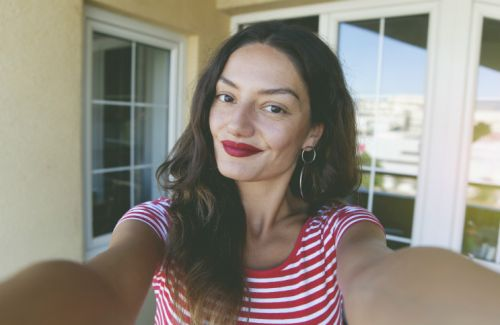 Use This Unexpected Technique For The Perfect Red Lip