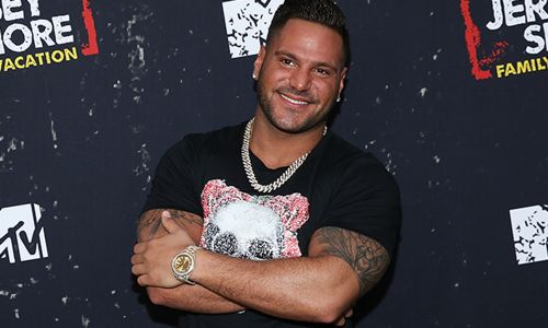 """'Jersey Shore' Star Ronnie Magro Shares More Cute Photos of His Baby Girl -""""My Twin"""""""