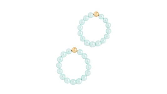 It's Time for Dara to Buy the Pretty Pearl Hoops She's Been Eyeing for Months