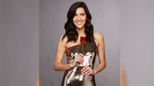 'The Bachelorette' Star Becca Kufrin Meets Her Guys During Limo Entrances in New Promo