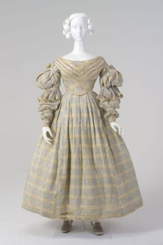 Day Dressc.1837Museum of Applied Arts & Sciences