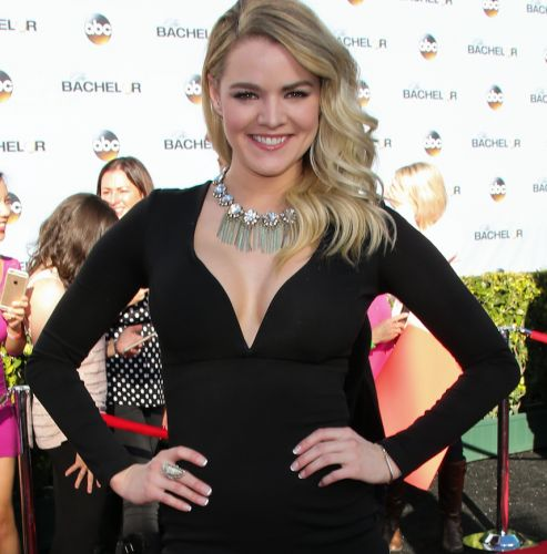 """'Bachelor' Alum Nikki Ferrell Admits She """"Hated"""" Her Boobs After Getting Them Done"""
